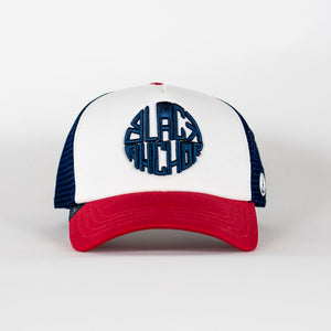 Gorra trucker blanca, roja y azul My Black Anchor Black Anchor frontal