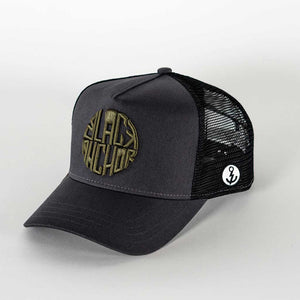 Gorra trucker gris My Black Anchor Black Anchor perfil izquierdo
