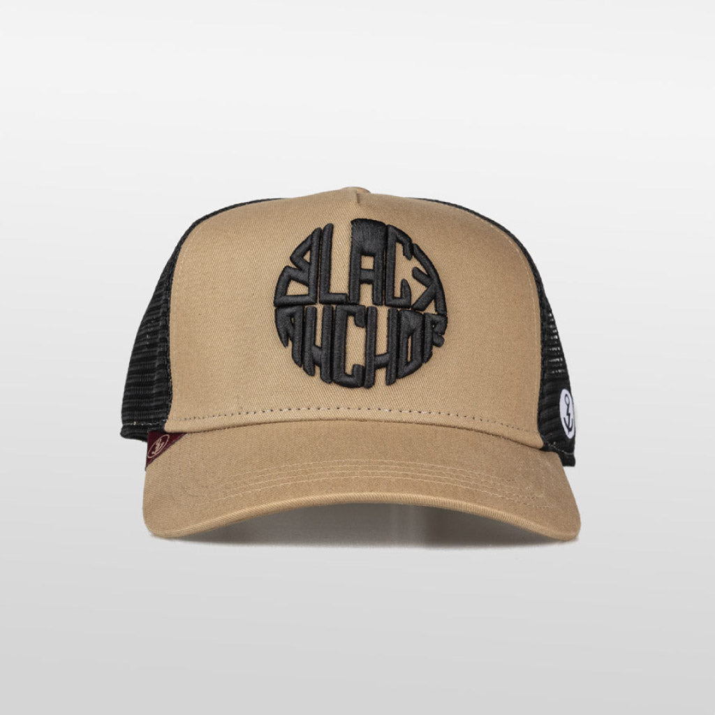 Gorra trucker mostaza y negro My Black Anchor Black Anchor frontal
