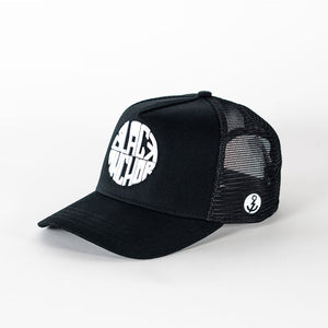 Gorra trucker negra My Black Anchor Black Anchor perfil izquierdo