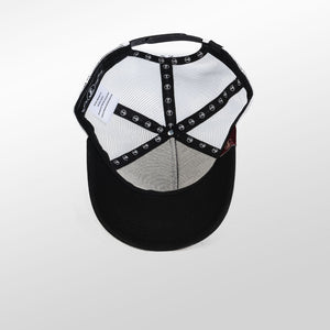 Gorra trucker negro y blanco My Black Anchor Black Anchor detalle