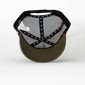 Gorra trucker verde oliva My Black Anchor Black Anchor detalle