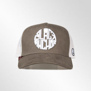 Gorra trucker verde caña y beige My Black Anchor Black Anchor frontal