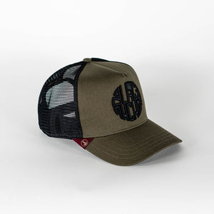Gorra trucker verde oliva My Black Anchor Black Anchor perfil derecho