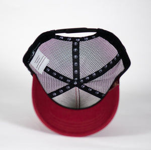Gorra trucker granate My Black Anchor Rayo detalle