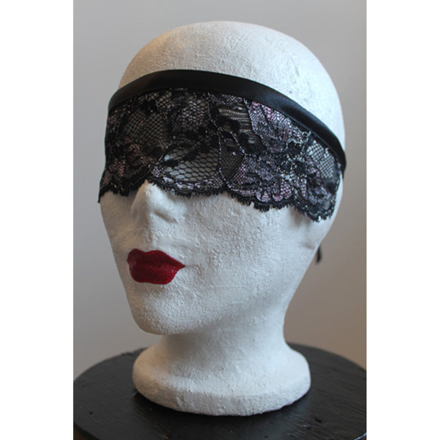 Sparkly Lace Mask