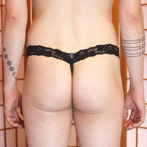 G-String: Bubbles-pattern Black lace