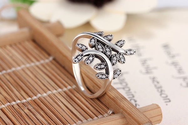 Silver Sterling Luxury Sparkling Shimmering Leaves crystal Stone Ring