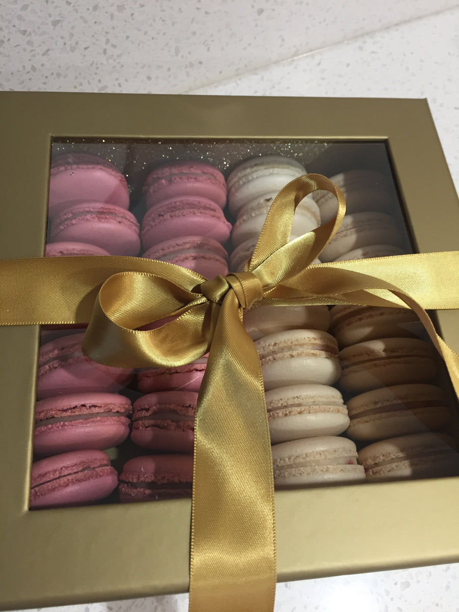 Gift Box of 32 Macarons