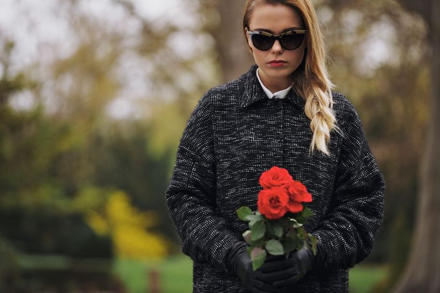 What is an appropriate way to dress to attend a funeral?