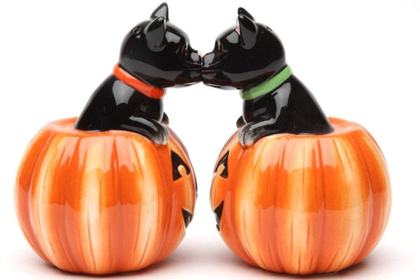 Black Cats Halloween Pumpkins Ceramic Magnetic Salt & Pepper Shakers Jack-o-lantern