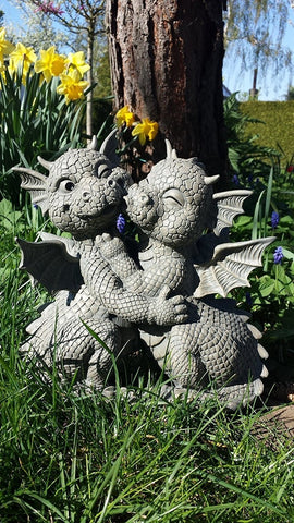 Garden Dragon Loving Couple Garden Display Decorative Accent Sculpture Stone Finish 10 Inch Tall