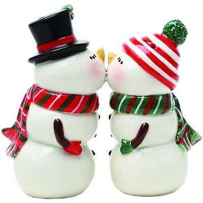 Adorable Snowman Couple Table Top Magnetic Salt And Pepper Shaker Set Christmas
