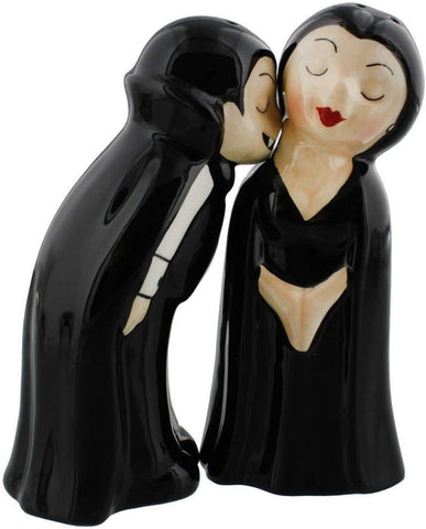 Pacific Giftware Vampire Love at First Bite Magnetic Kissing Ceramic Salt and Pepper Shakers Set