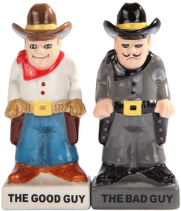 Attractives Magnetic Ceramic Salt Pepper Shakers Bad Guy Good Guy Cowboys Wanted Criminals
