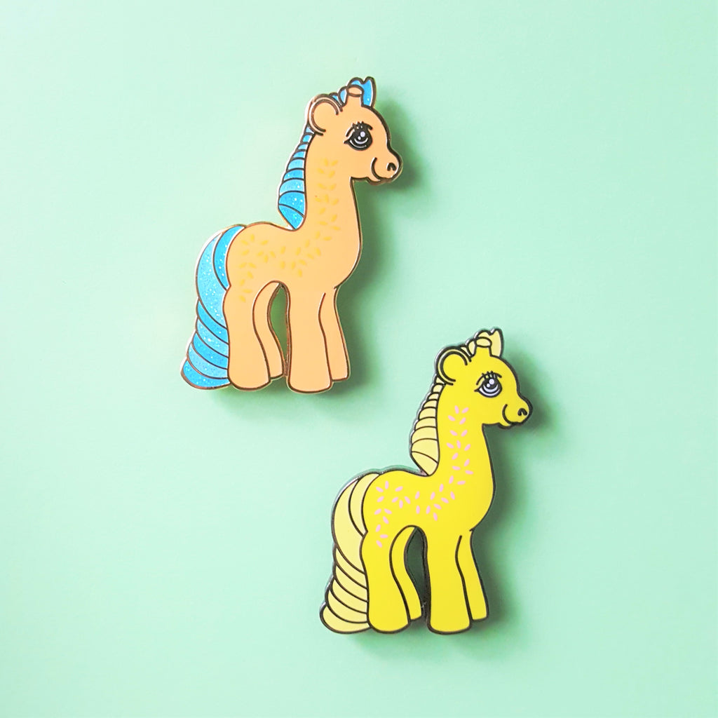 Sale CLEARANCE Giraffe Friends Pin