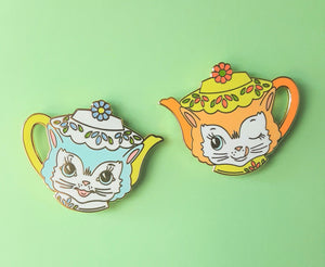 Sale CLEARANCE Vintage Inspired Teapot Kitties