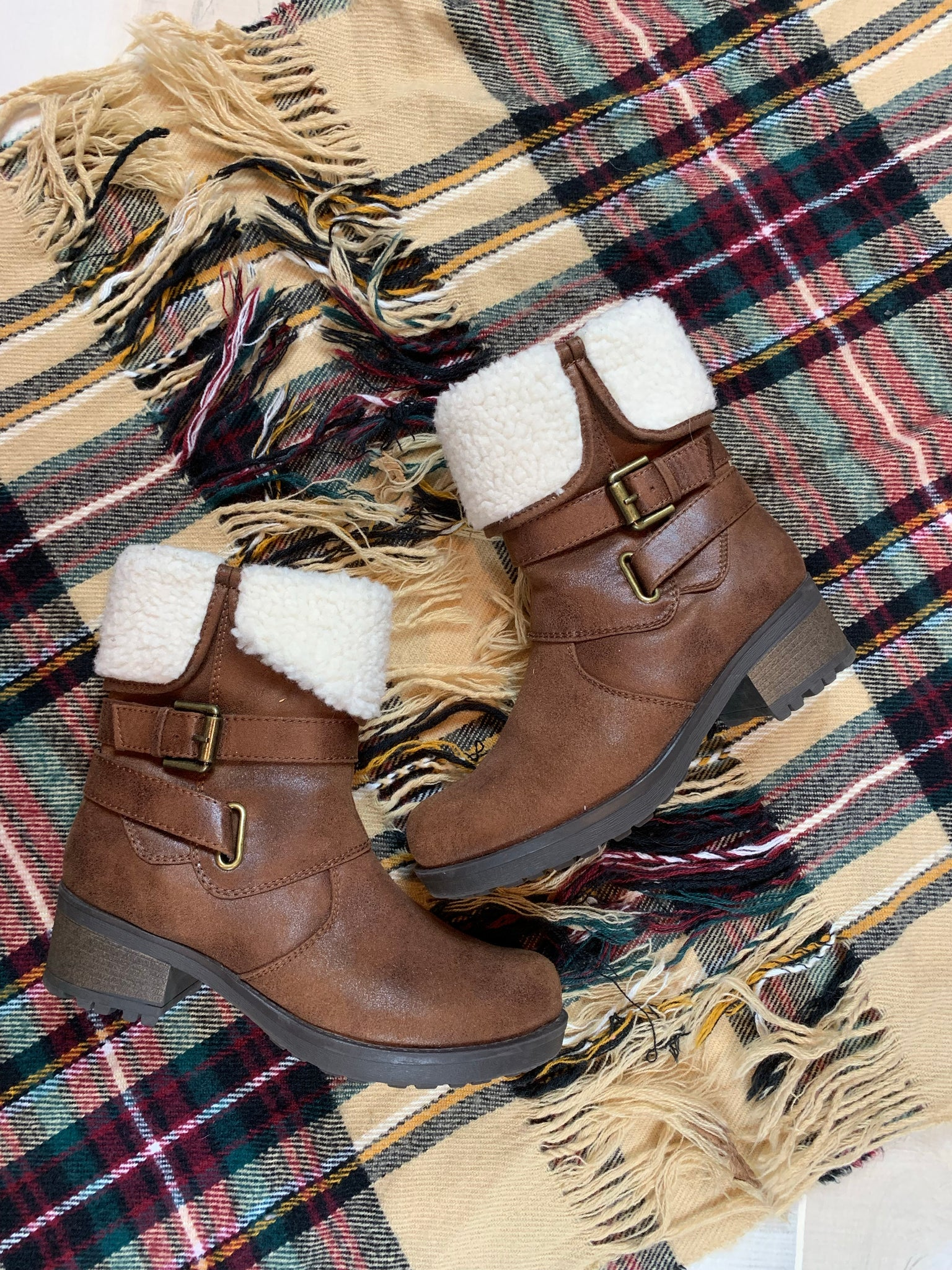 White Mountain Fur Ankle Boots: Size 6.5