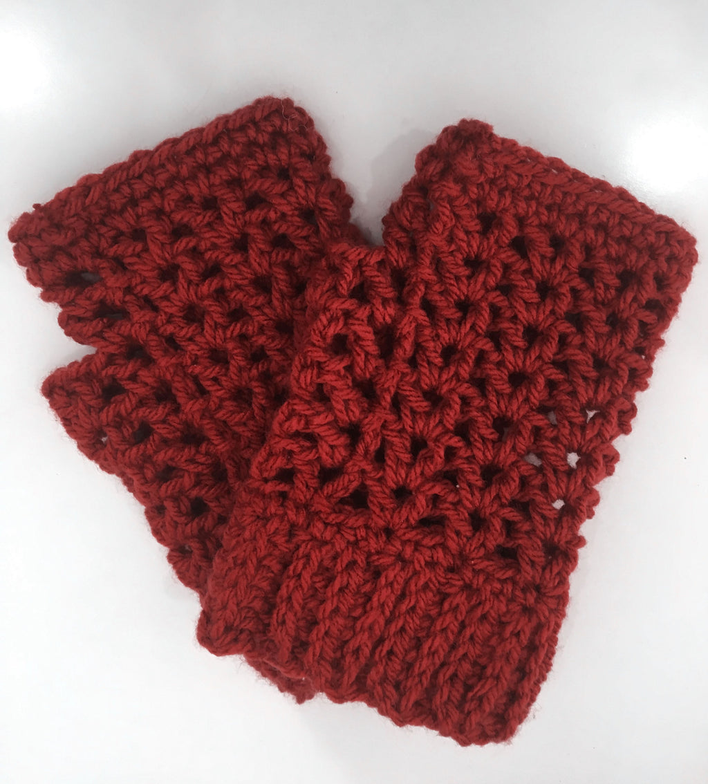 Hand-knitted V-stitch Fingerless Gloves In Amber