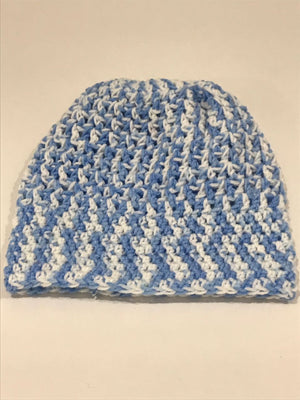 Hand knitted beanie with pony tale hole and boot cuffs - JewlOn