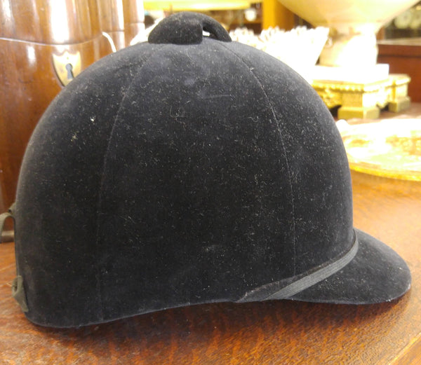 1960's EQUESTRIAN BLACK VELVET TRADITIONAL ENGLISH RIDING HAT