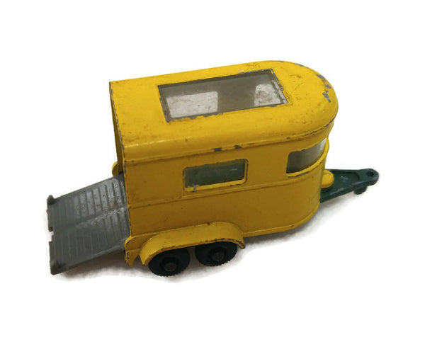 1968 Matchbox Pony Trailer #43