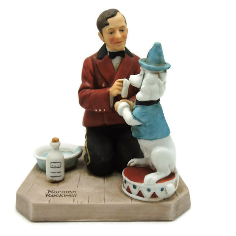 1981 While The Audience Waits Norman Rockwell Figurine