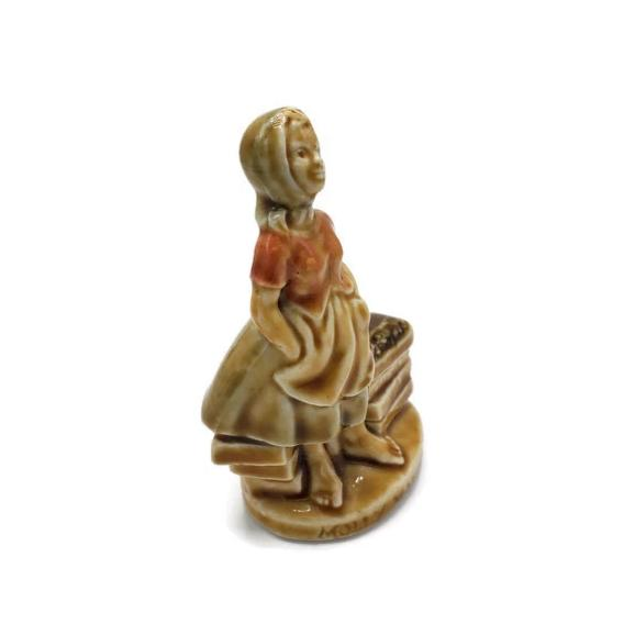 Molly Malone Figurine by Wade