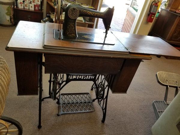 "1912 SINGER TREADLE SEWING MACHINE MODEL 66 ""RED EYE"""