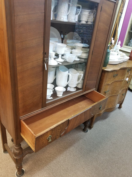 1920's SINGLE DOOR MAHOGANY AND MAPLE CHINA CABINET