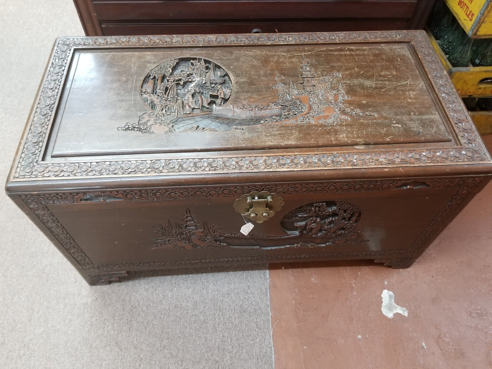 1800's TO EARLY 1900's HAND CARVED CAMPHOR WOOD CHINESE CHEST