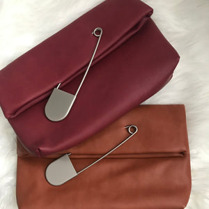 Safety Pin Clutch - Camel