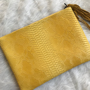 Oversized Yellow Reptile Clutch