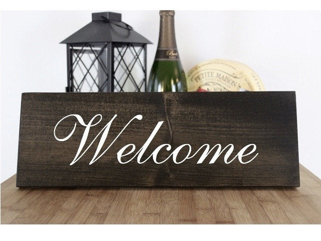 Welcome Wedding Sign, Bride Groom, Maid of Honor Maid of Honour, Matron of Honor, Matron on Honour Rustic Sign