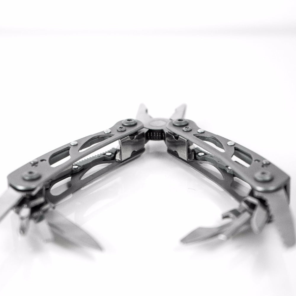Ganzo G104S Multitool Pliers - Moment at Hand