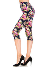 Fluffy Garden Capri Leggings