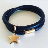 Leather wrap bracelet in black with stainless steel charm