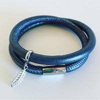 Leather wrap bracelet in charcoal with stainless steel magnetic clasp and feather charm