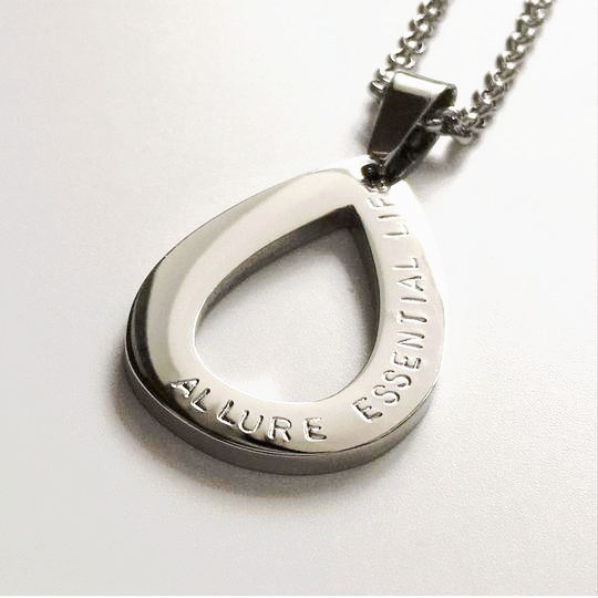 Handstamped Tear Drop necklace | allure style