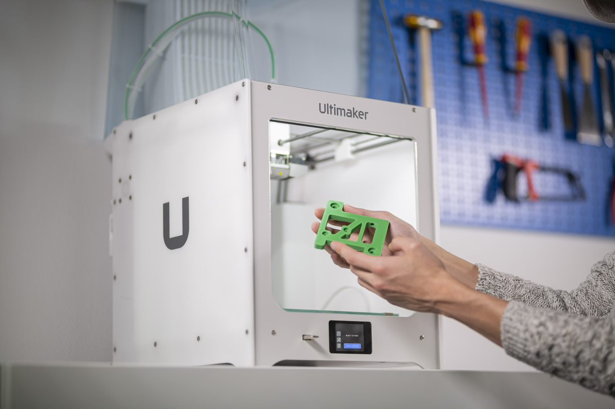 The Ultimaker 2+ Connect can be trusted to print reliably while unattended.