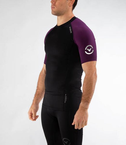 Au55 | BioCeramic™ Ranked Short Sleeve Rashguard | Black/Purple