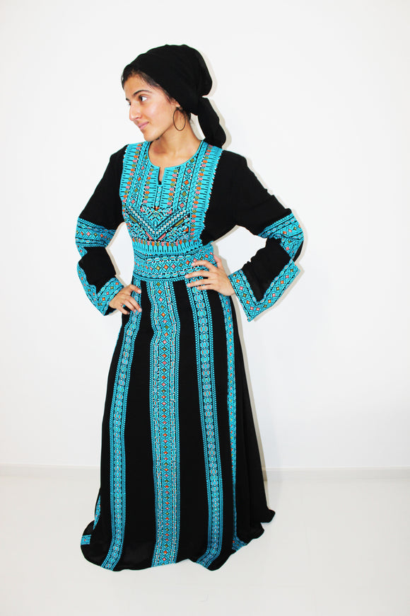Front - Traditional kaftan with blue embroidery - Bayt Alya