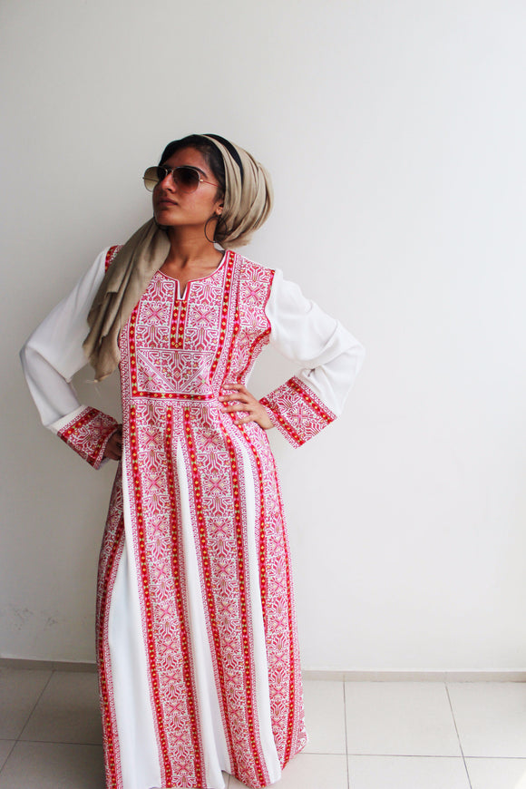 Front - White kaftan with red embroidery - Bayt Alya