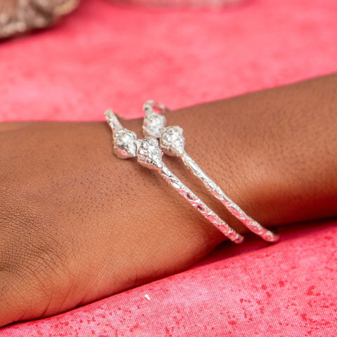 110 West Indian Bangle with Conch Lambi Shell in Calypso Pattern Handmade in 925 Sterling Silver - Sold Individually
