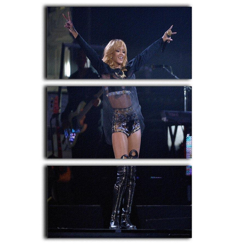 Beyonce Applauded Live 3 Split Panel Canvas Print - Canvas Art Rocks - 1