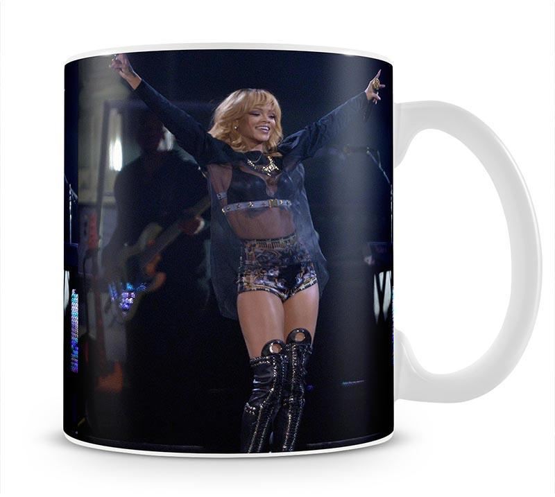 Beyonce Applauded Live Mug - Canvas Art Rocks - 1