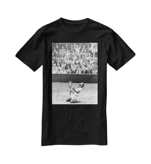 Bjorn Borg celebrates at Wimbledon T-Shirt - Canvas Art Rocks - 1