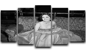 Elizabeth Taylor In A Dress 5 Split Panel Canvas  - Canvas Art Rocks - 1