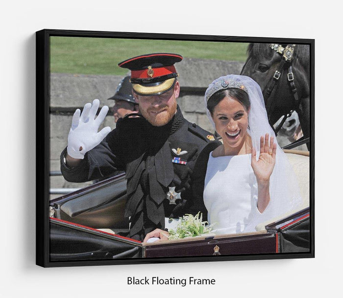 Meghan and Prince Harry wave to the crowds Floating Frame Canvas