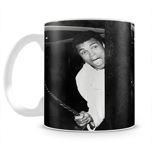 Muhammad Ali larking about at Heathrow Mug - Canvas Art Rocks - 2